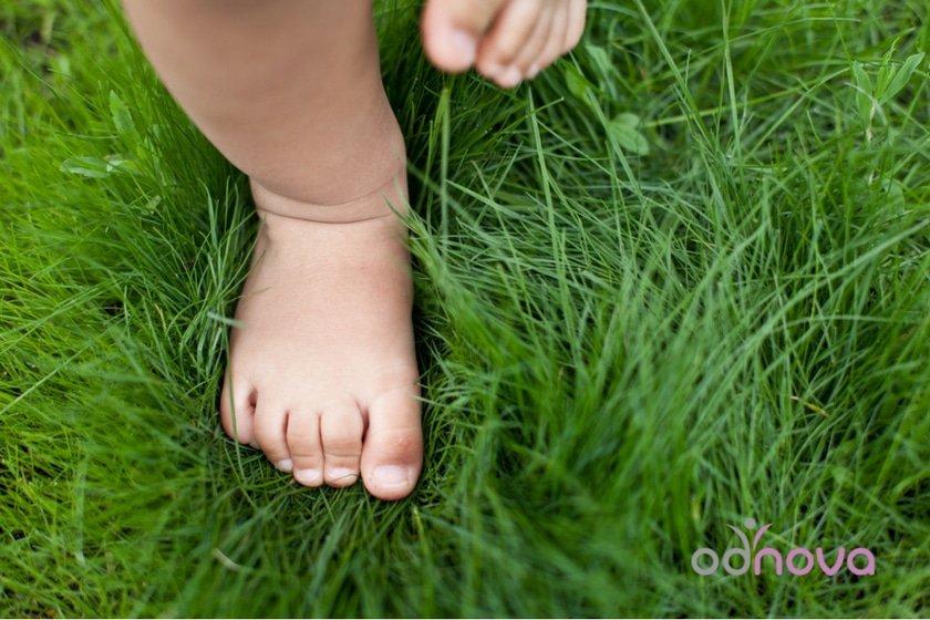 pierwsze buty, stopa dziecka, bobux, attipas