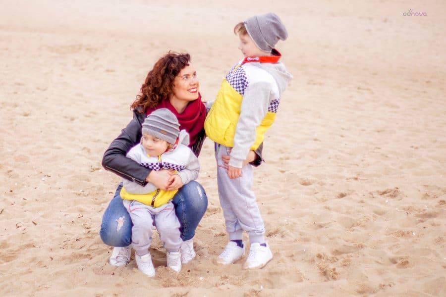 mama_z_dziećmi_na_spacerze